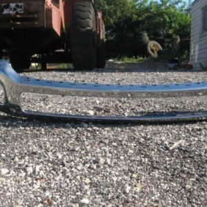 NEW-FORD-BUMPER-REMOVED-FROM-2013-FORD-550-TRUCK-0